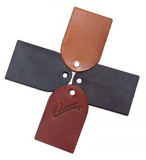Materiales y colores utilizados por Ludomar: Cuero grueso silla.