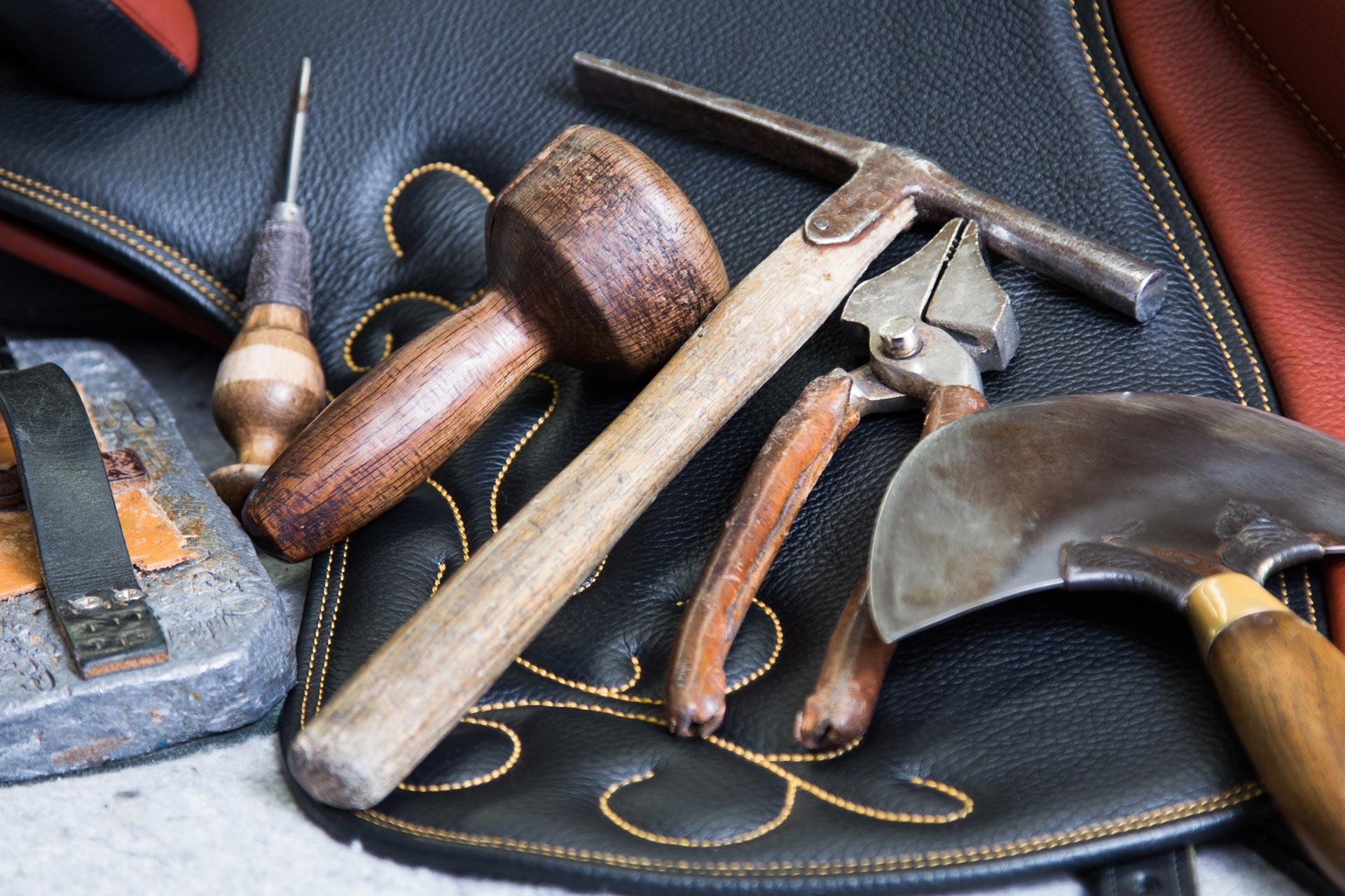 Herramientas utilizadas para la elaboración de sillas Ludomar
